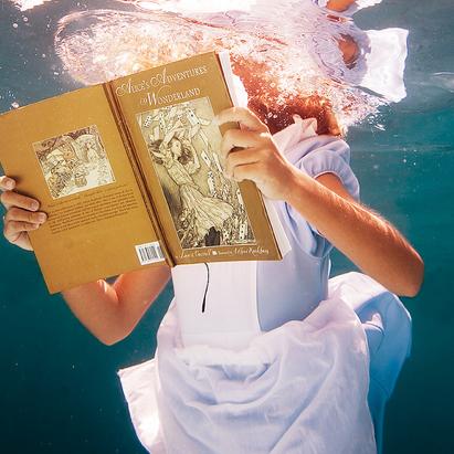 Alice-book