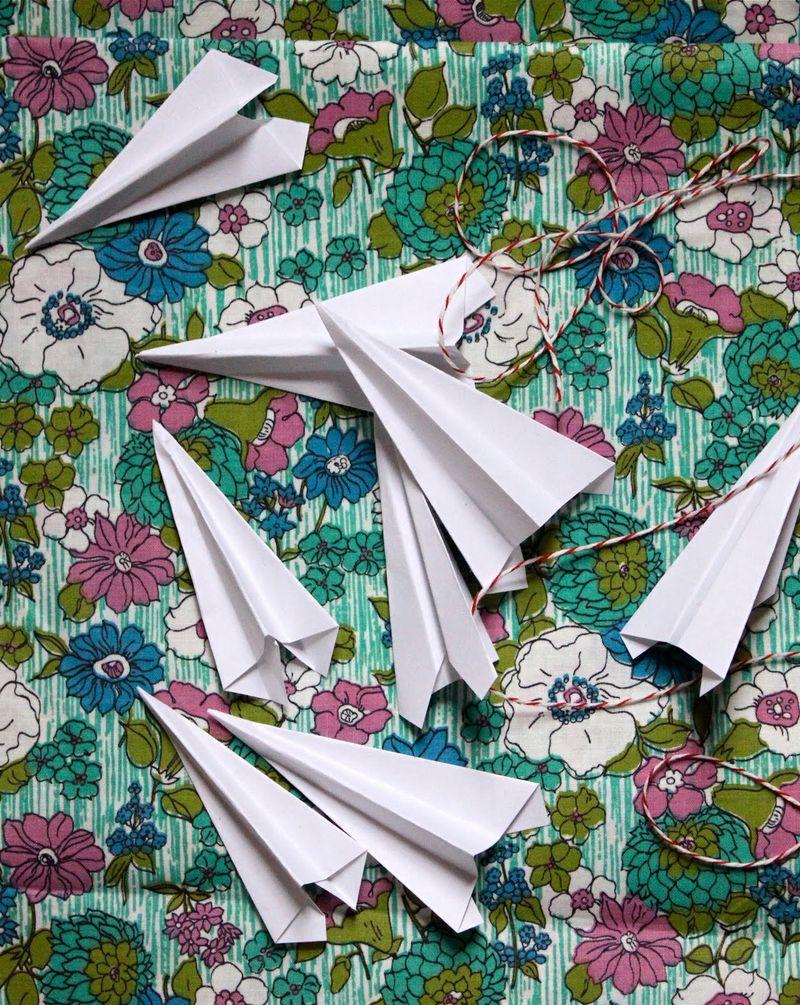 Paper_airplanes.JPG