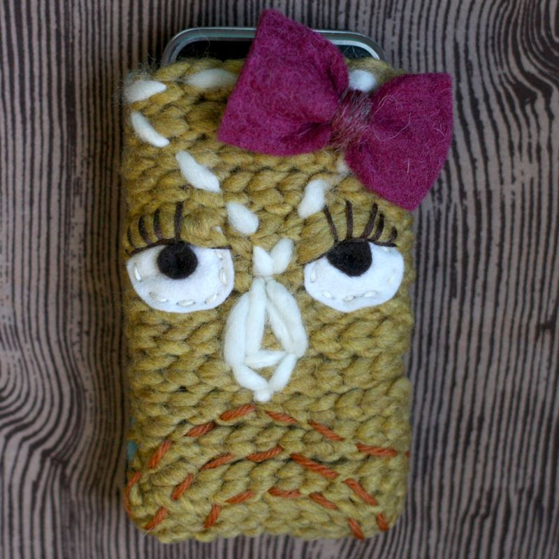 Elsie-owl-phone-cozy