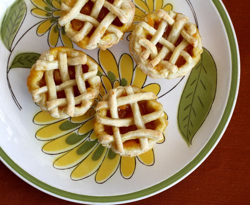 Mini_peach_pies_1
