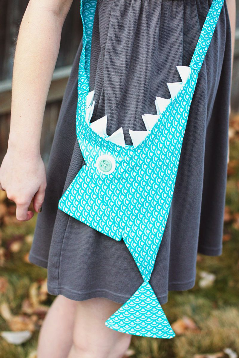Shark purse finished 2