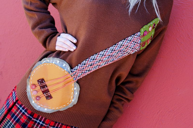 Banjo sweater DIY 3