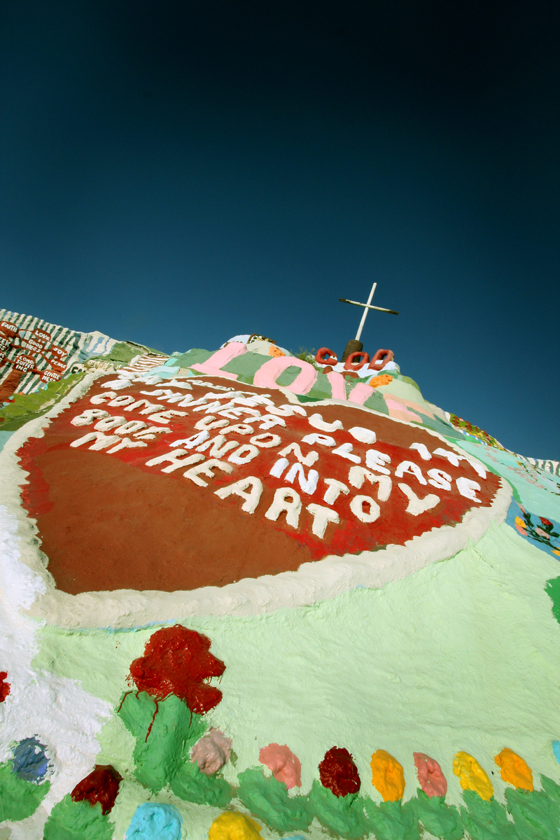 10 salvation mountain
