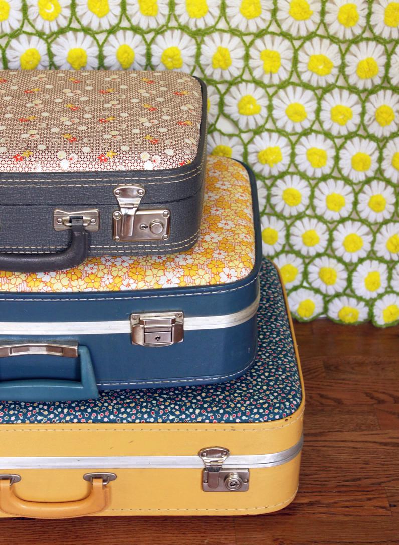 自慢したくなる!古いスーツケースのオシャレ活用術♪