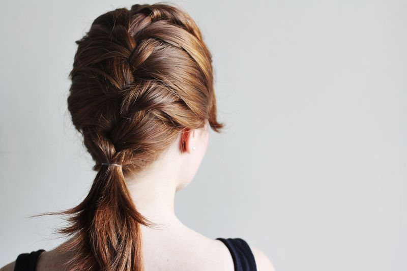 how-to-style-a-classic-french-braid