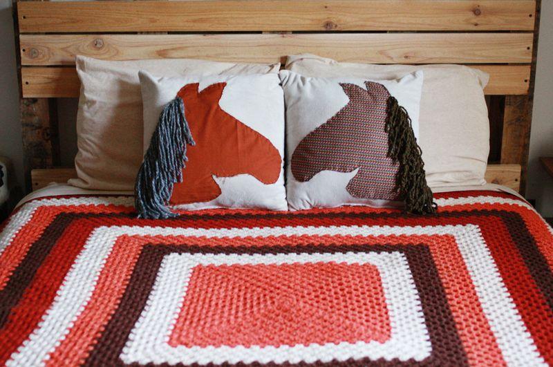 Horse pillows DIY