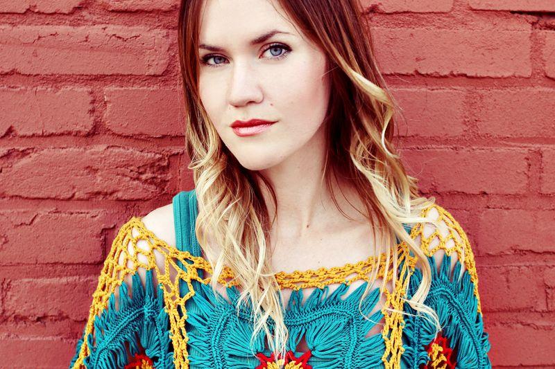 Emma Chapman _ Sister Style on A Beautiful Mess