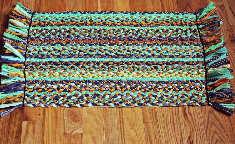DIY Braided Rug on A Beautiful Mess