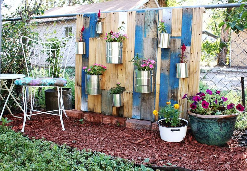 pallet vertical garden a beautiful mess