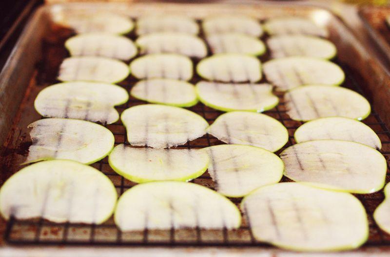 Making apple chips