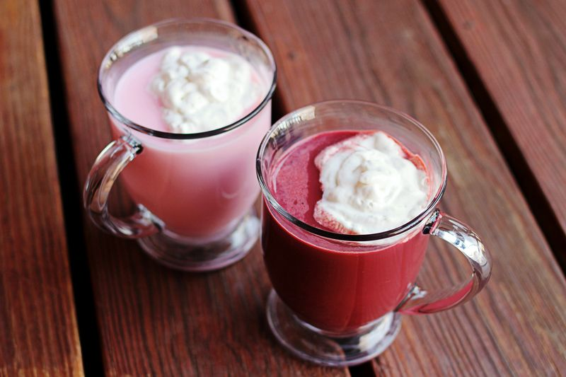 Red velvet hot chocolate - christmas recipe gift idea