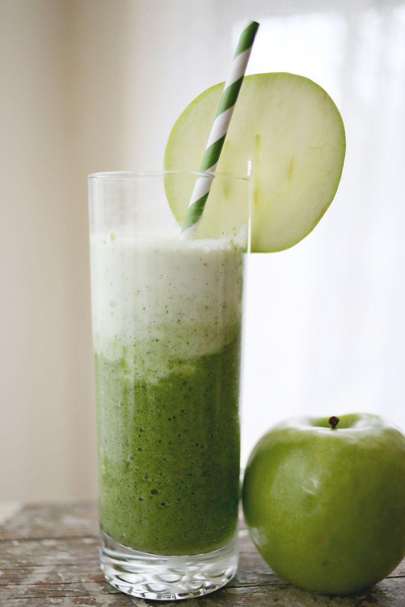 Green apple spinach smoothie a beautiful mess for Green apple mixed drinks