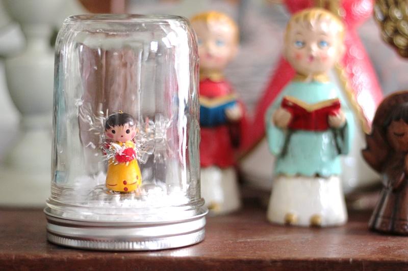 Tiny Angel Globe