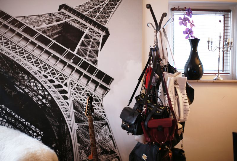 Hanging bags + eiffel tower love