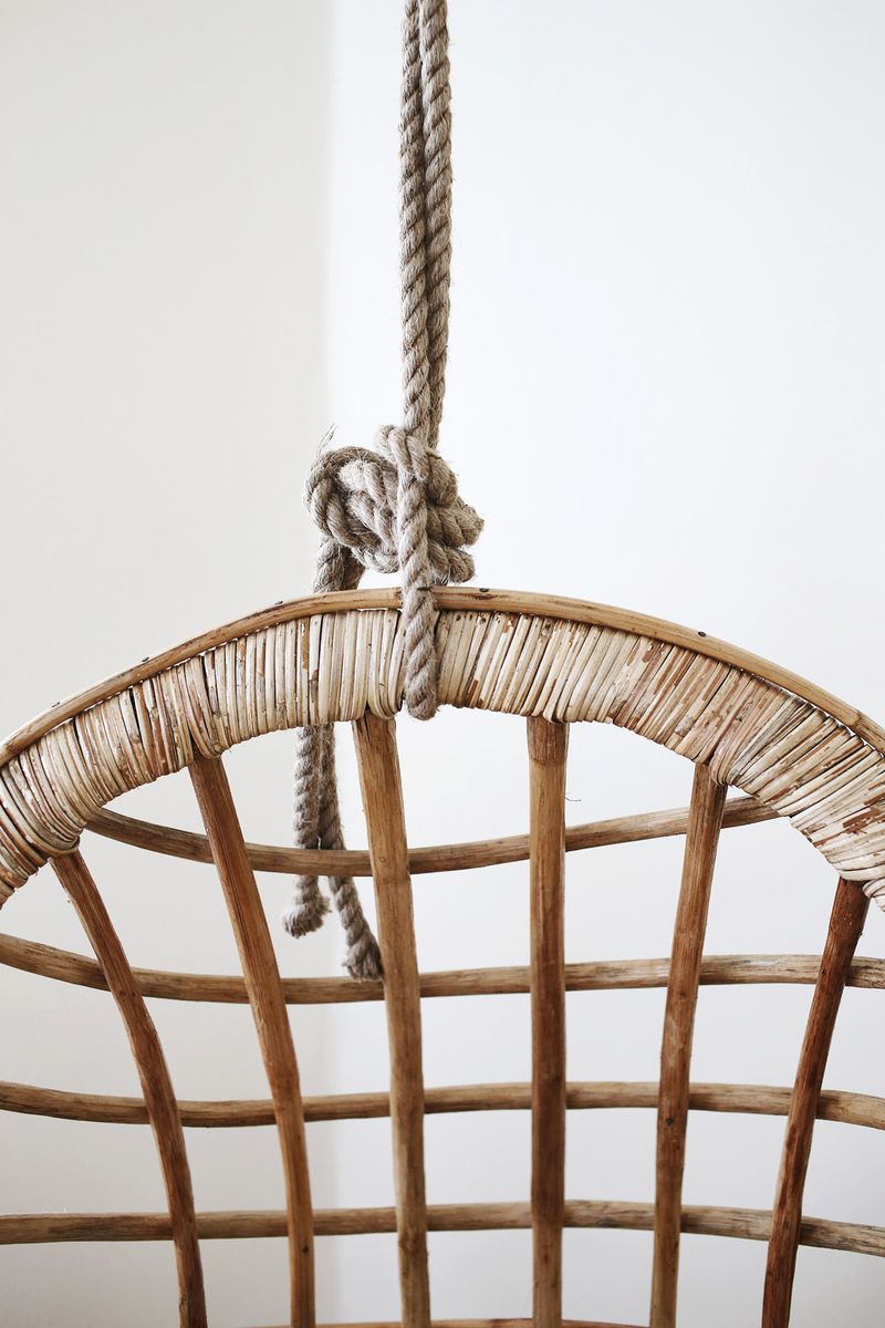 Cool chairs that hang from the ceiling - Hanging Chair Detail