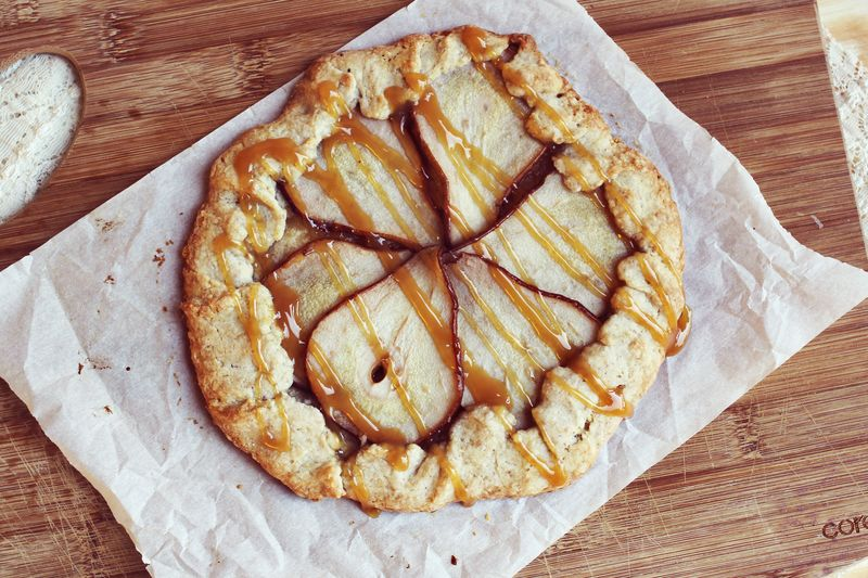 Pear and caramel pie
