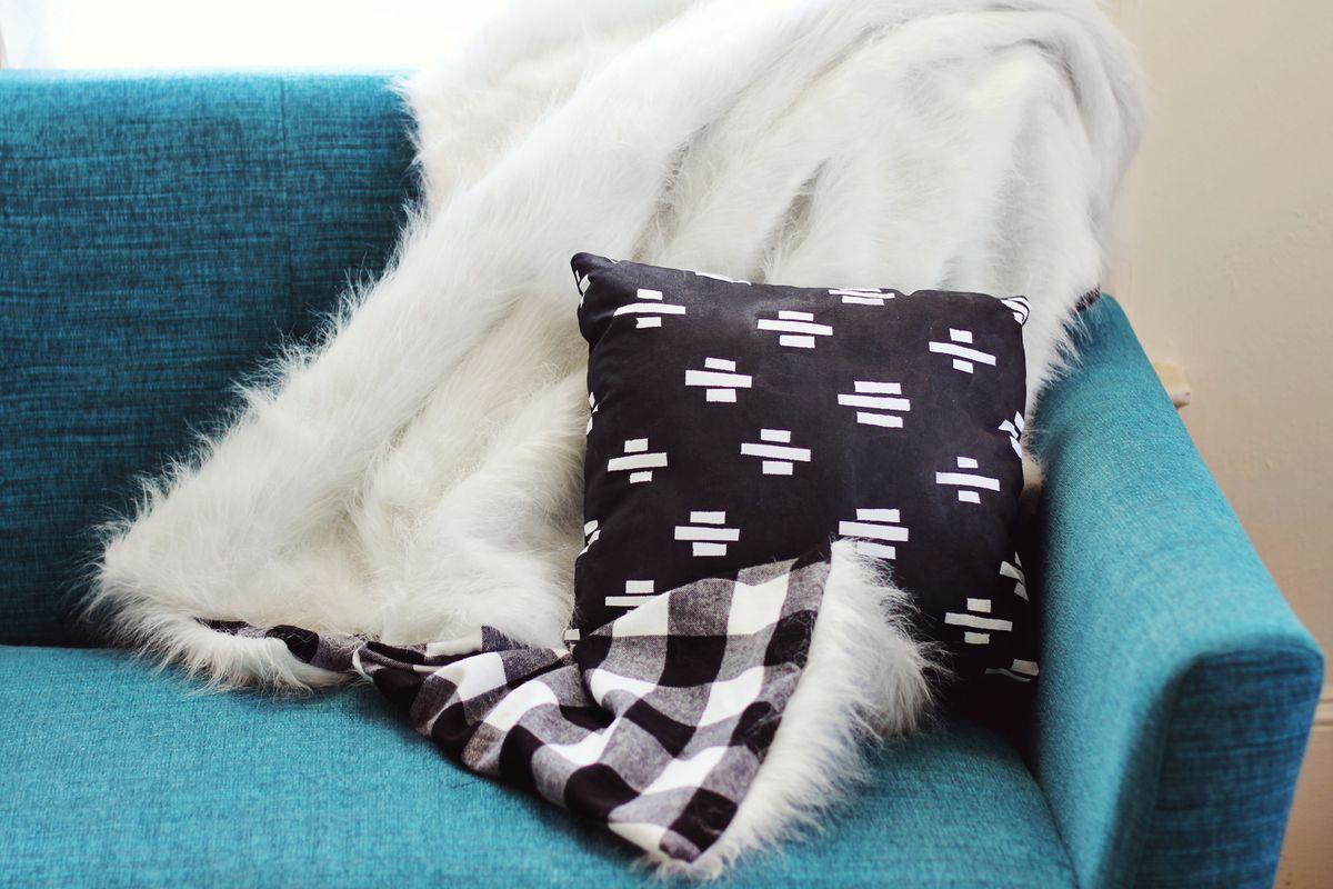 Faux Fur Flannel Blanket Diy A Beautiful Mess