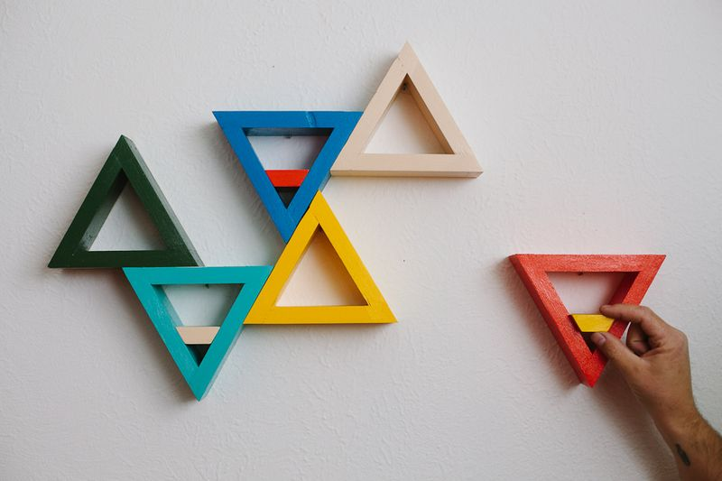 Triangle shelf diy