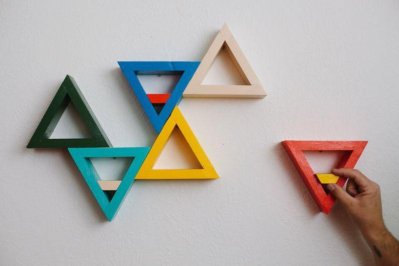 Triangle shelf diy
