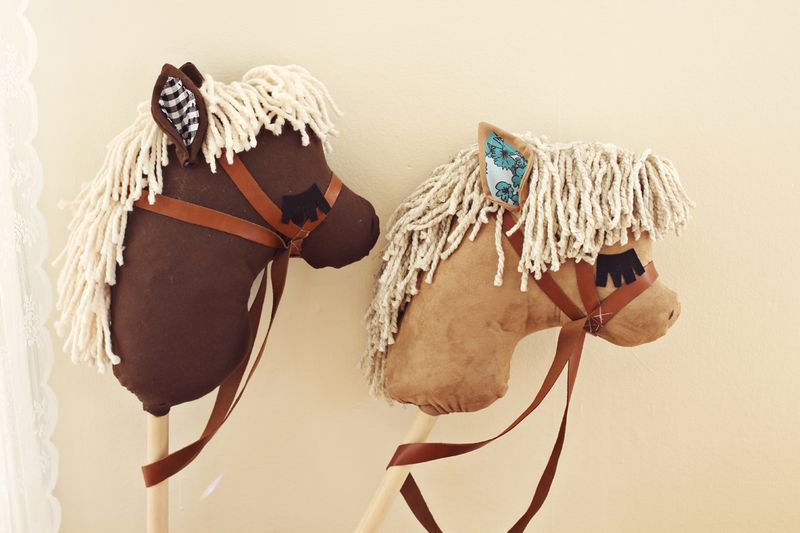Gift idea- DIY Stick Horses