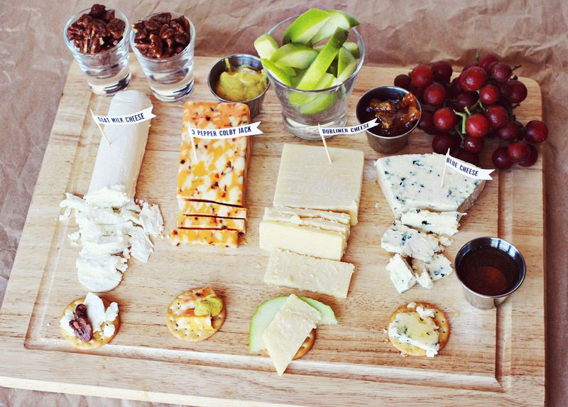 Cheese party plate - christmas recipe gift idea