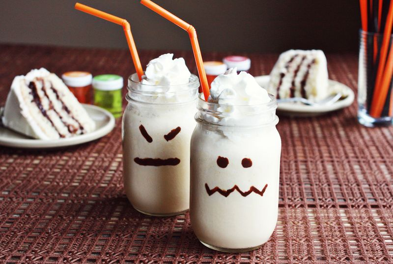 How to make ghost milkshakes