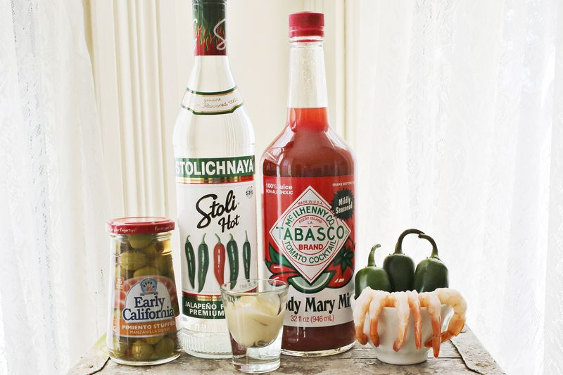 How to mix a jalapeno bloody mary