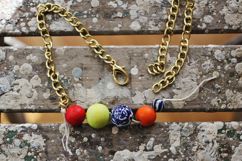 DIY Simple Statement Necklace (construction)
