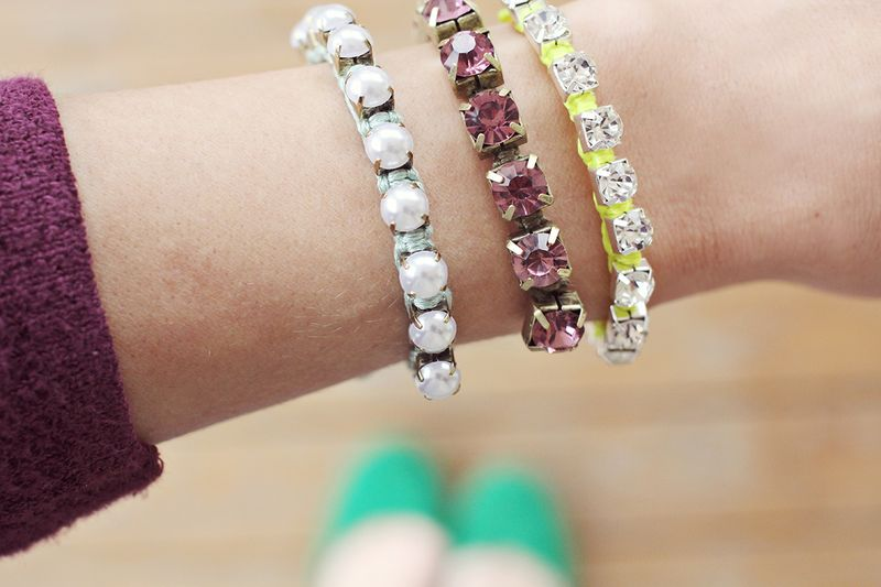 Pulseiras DIY via A Beautiful Mess