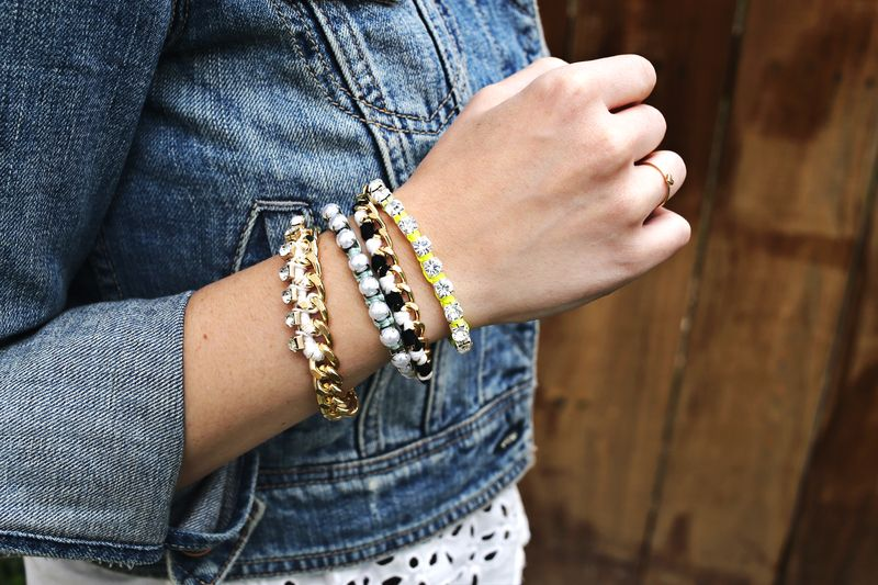 DIY pulseiras da amizade via A Beautiful Mess
