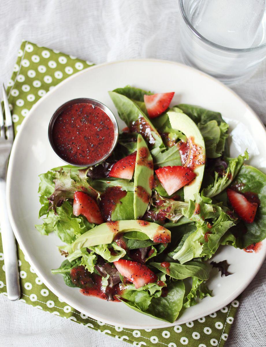 Strawberry Balsamic Vinaigrette - A Beautiful Mess