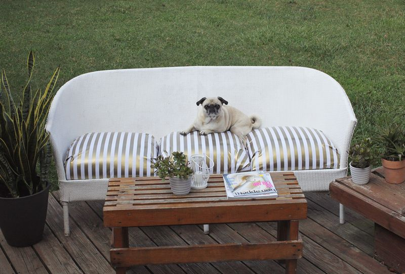Restyled outdoor couch www.abeautifulmess.com