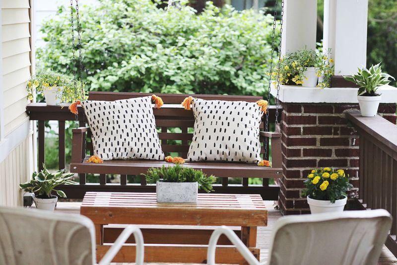 Elsie's Front Porch www.abeautifulmess.com