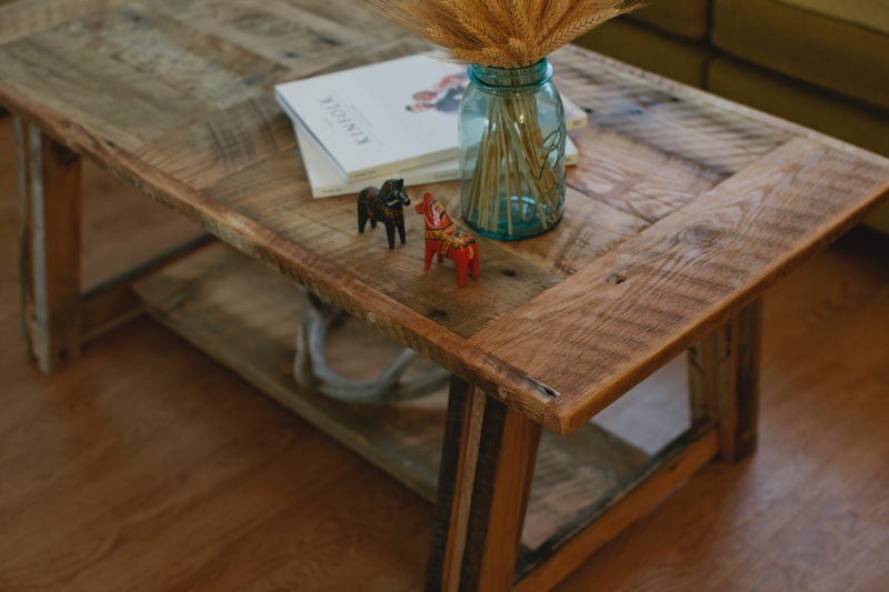 Pinestockcoffeetable_002