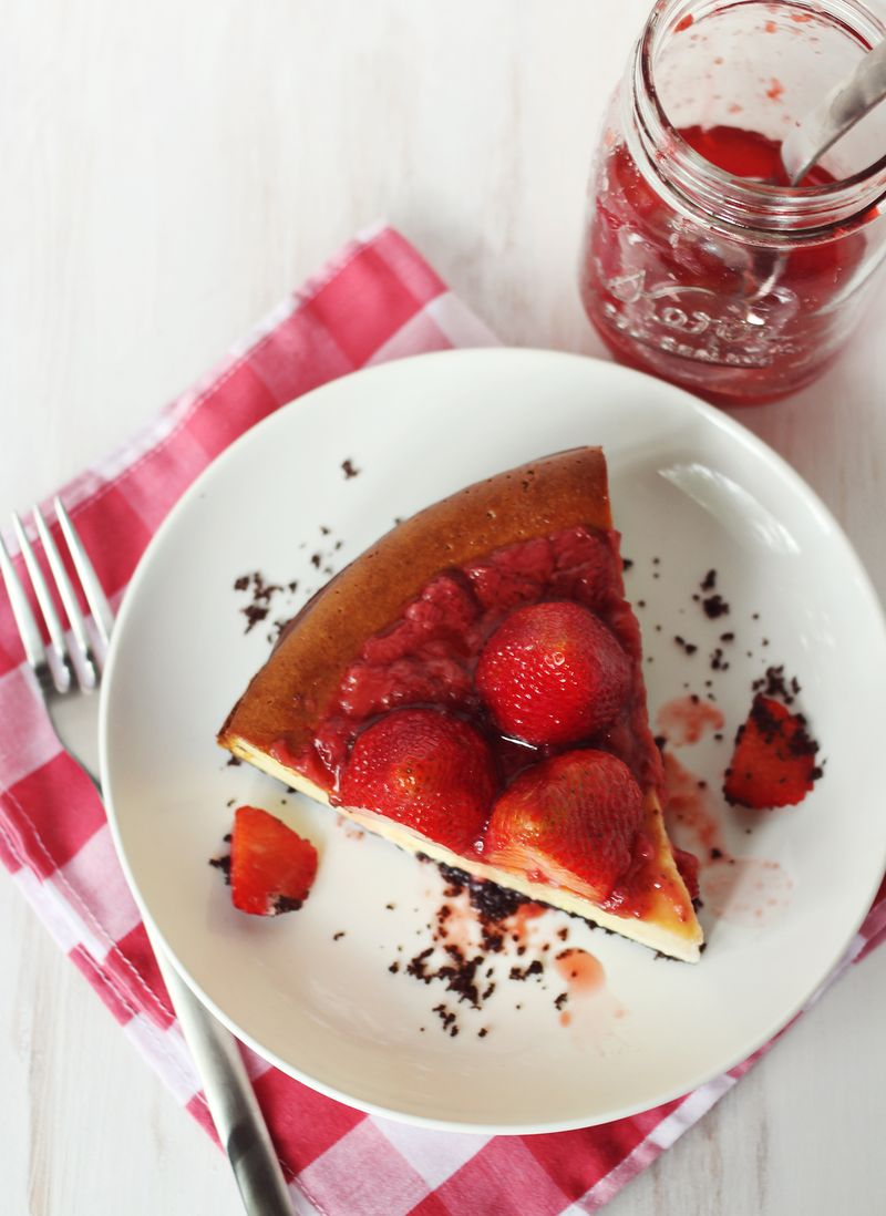 New york style strawberry cheesecake