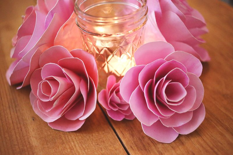 How to make paper flowers a beautiful mess video editing buckshot creative how to make paper flowers abeautifulmess mightylinksfo