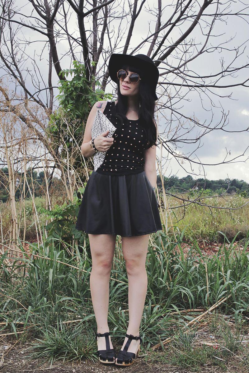 Sister Style on A Beautiful Mess Blog www.abeautifulmess.com