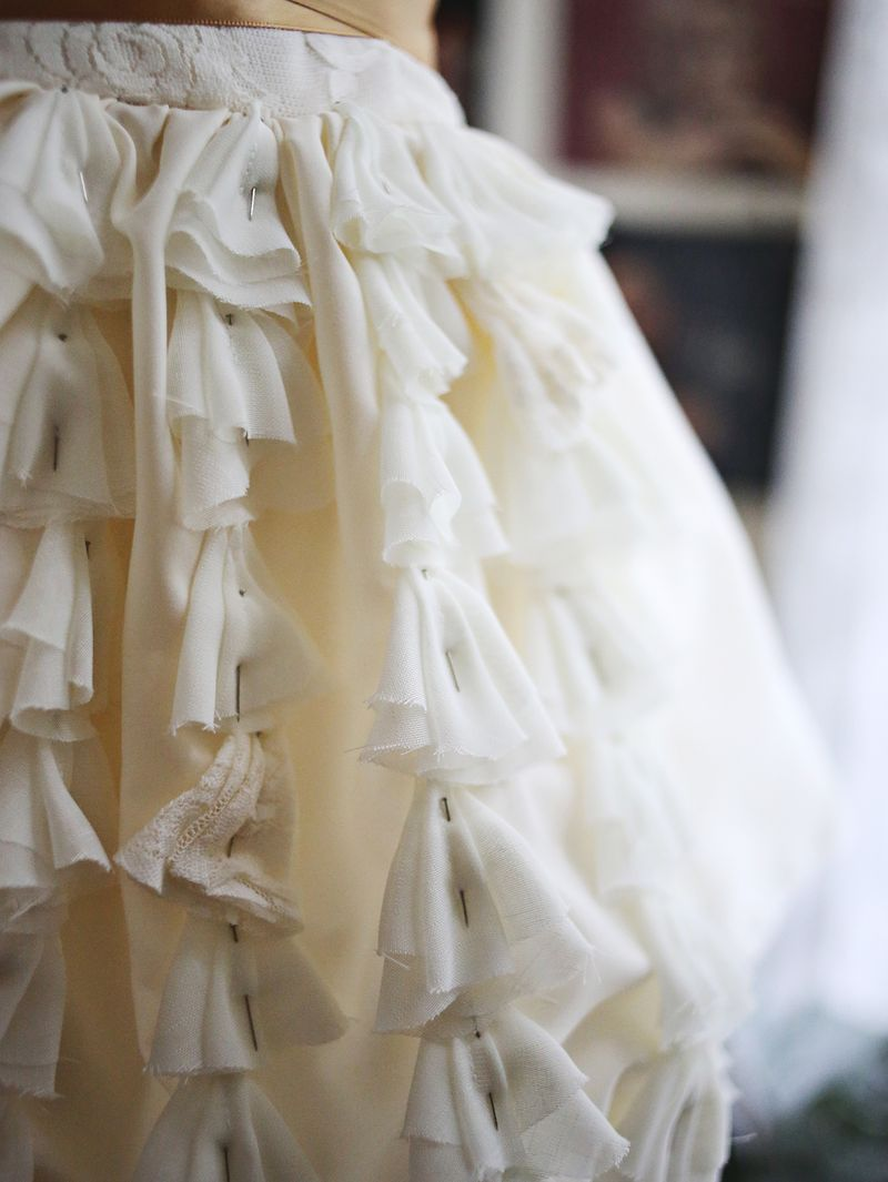 Emma s diy wedding dress a beautiful mess for How to dress for a wedding