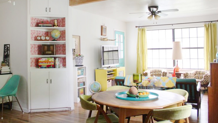 Love all the pops of color in this room