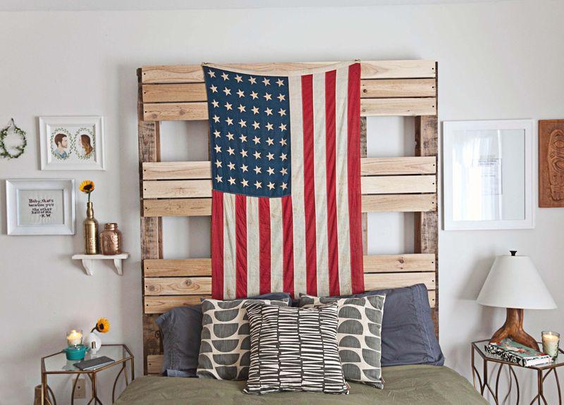 Emma Chapman's bedroom abeautifulmess.com