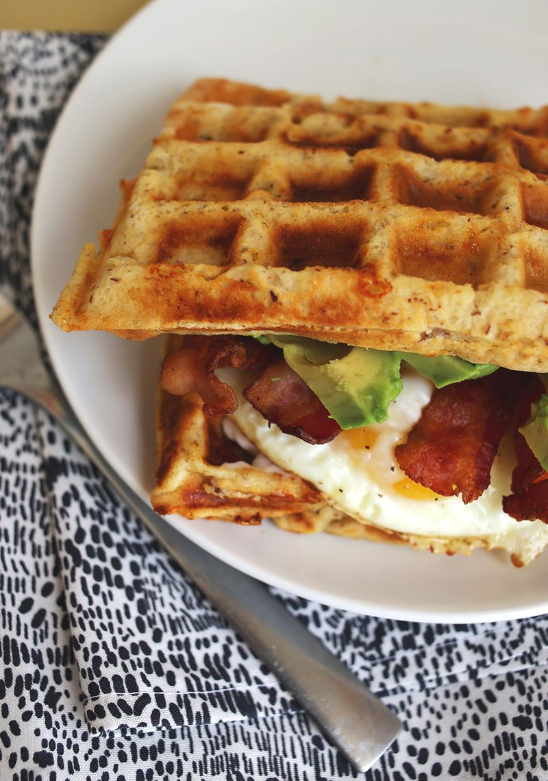 For under $20 this makes the perfect belgian waffle! My son and I have fun using this waffle maker from filling it- to rotating aghosting.gq in that waffle smell wafting towards our nose as it's cooking then rotating it back again, opening it up and admiring our perfectly cooked waffle.