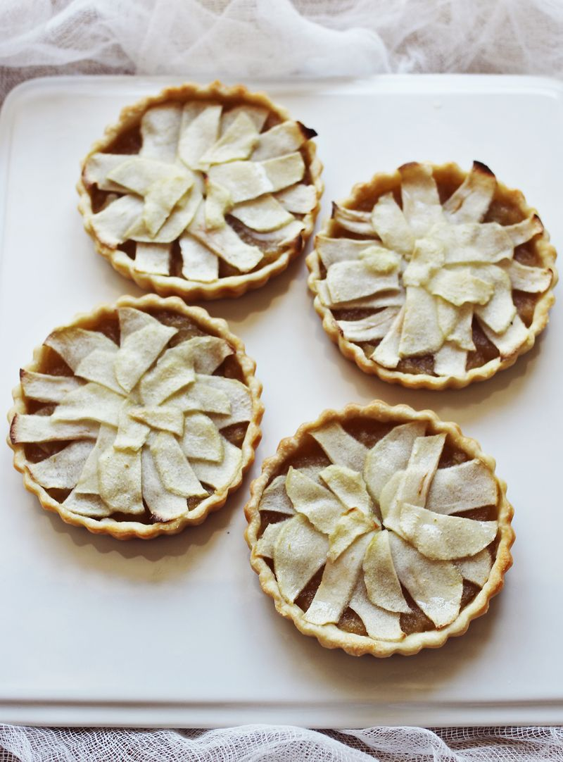 Mini whiskey and apple tarts