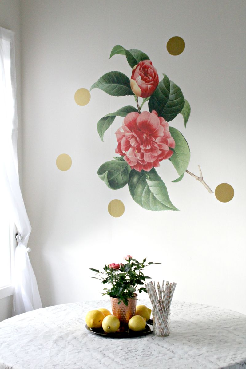 Love the flower art on the wall!