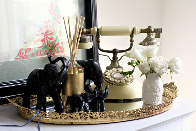 Love this pretty collection of antiques