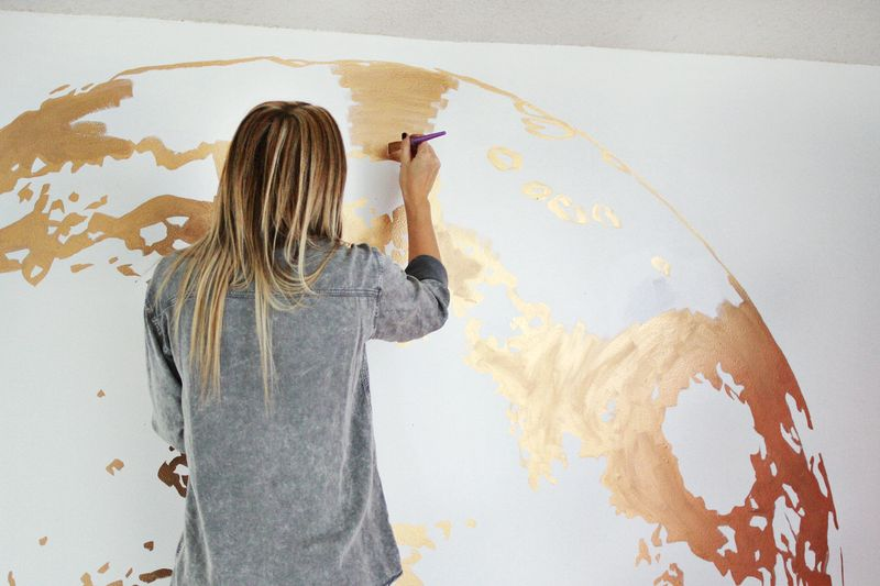 how to get rid of paint fumes while painting