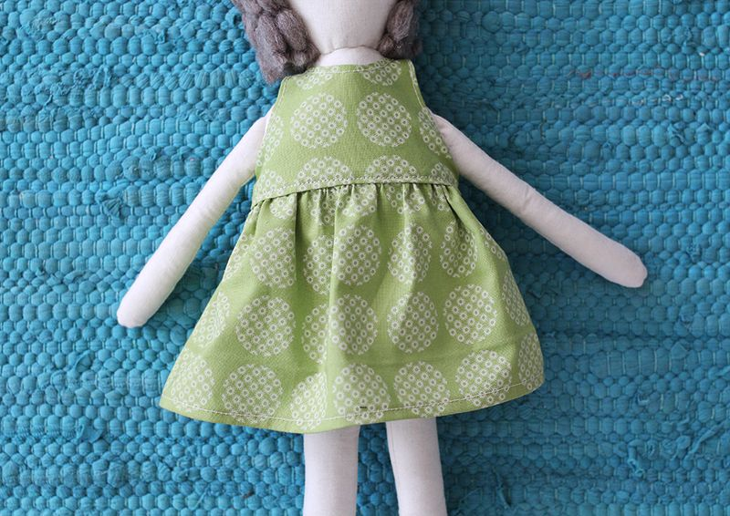 Darling doll dress (printable pattern)