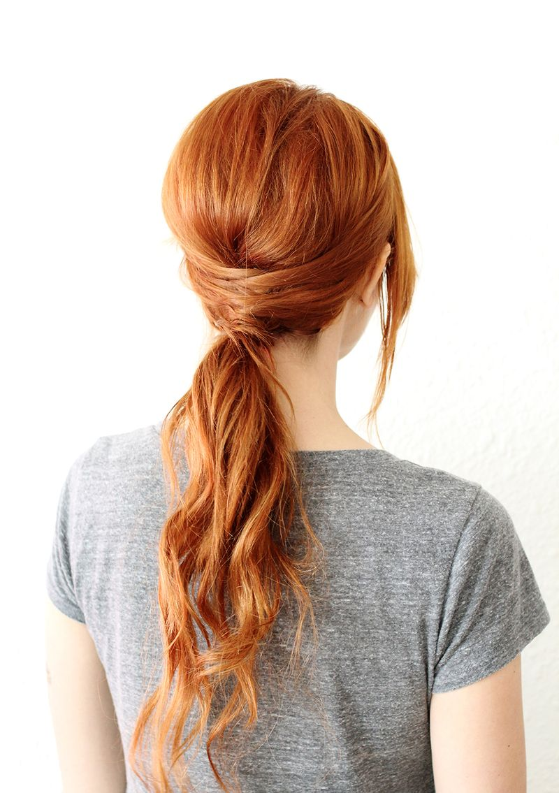 Simple hairstyles- Criss Cross Ponytail (click through for instructions)