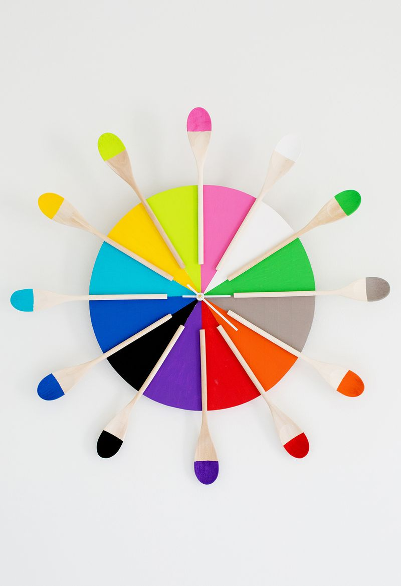 Colorful kitchen clock DIY (abeautifulmess.com)