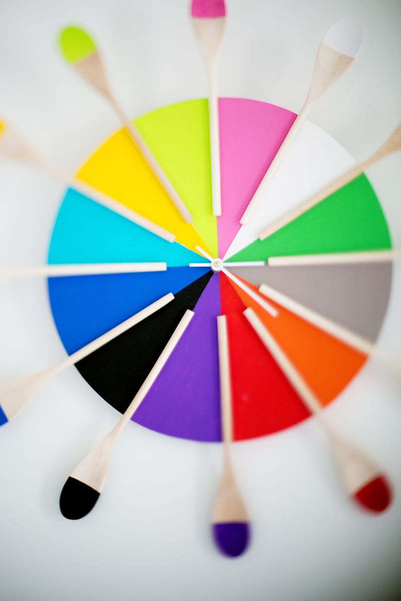 Colorful kitchen clock DIY (abeautifulmess.com)