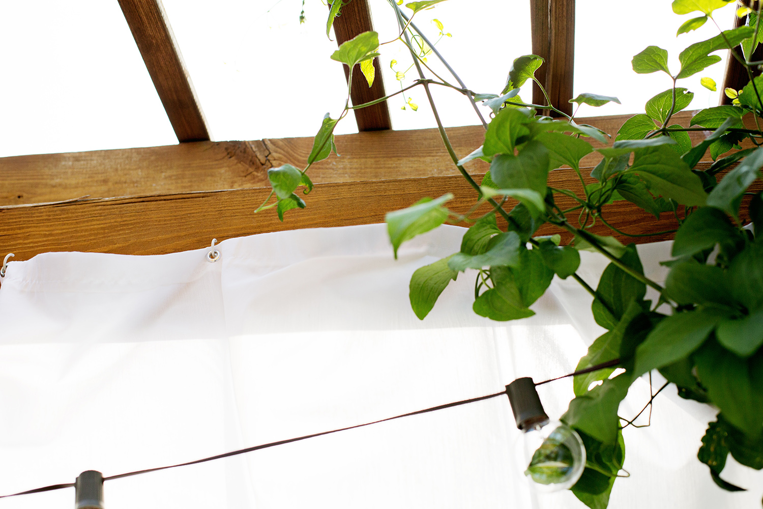 Make your own outdoor pergola curtains a beautiful mess - Make Your Own Outdoor Pergola Curtains A Beautiful Mess